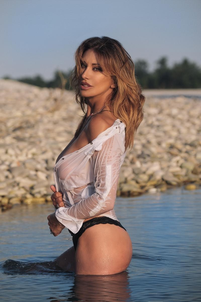 Sabrina Singer
